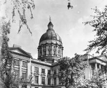 CapitolBuilding-GordonStatue-1947-1-1