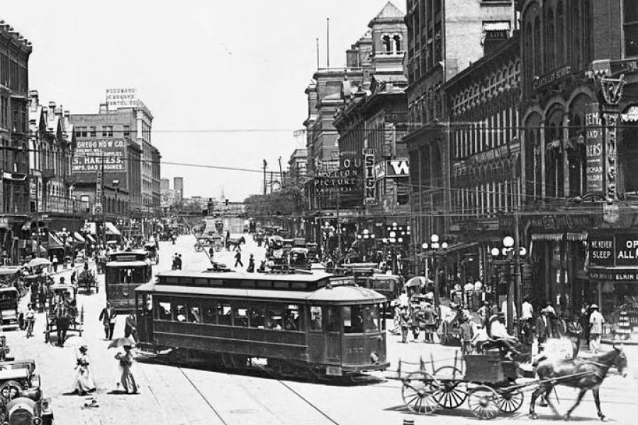 Five Points looking west down Marietta Street - 1912-720